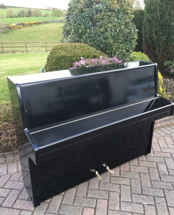 Nieer black piano | belfastpianos.com